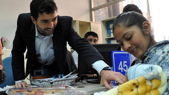 Los Beneficiarios podrán Perder la AUH si no Presentan la Libreta