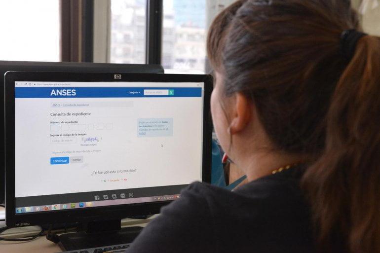 Presentar el certificado escolar desde la web
